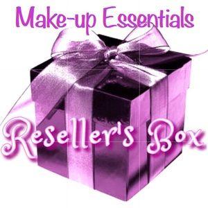 MAKE-UP Essentials Mystery Box 10 BRAND NEW ITEMS!
